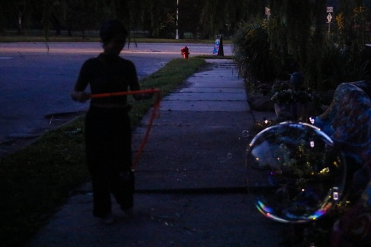Making bubbles with Jordan (11 of 16)