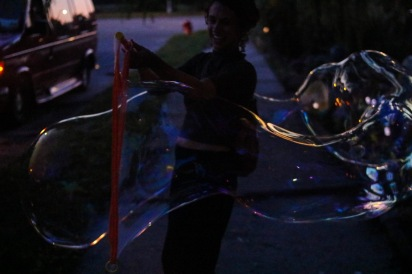 Making bubbles with Jordan (14 of 16)