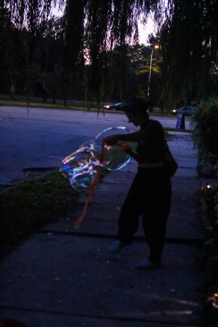 Making bubbles with Jordan (9 of 16)